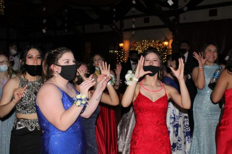 Students dancing at prom.