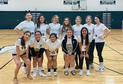 The 2021-22 SCHS Dance team.