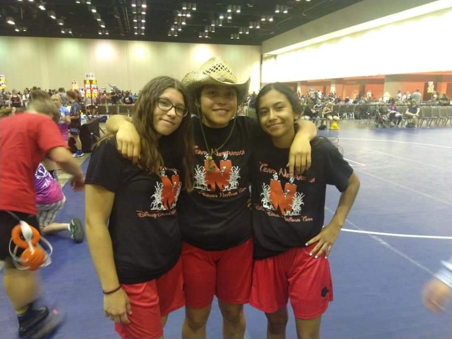 Girls+Wrestlers+compete+in+Florida
