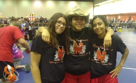 Girls Wrestlers compete in Florida